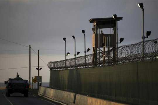 "Поморската база во Гвантанамо евакурана поради ""Метју"""