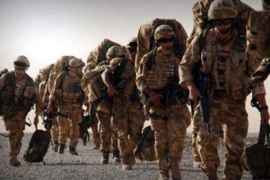 """""""Тајмс"""": Велика Британија испраќа војска на границата со Русија"""