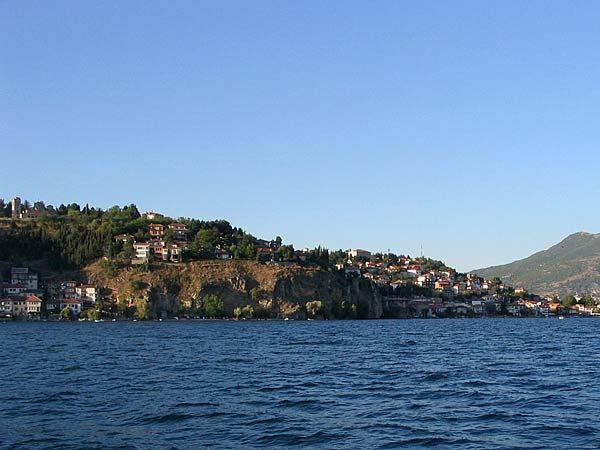 Две гранати пронајдени во Охридско Езеро