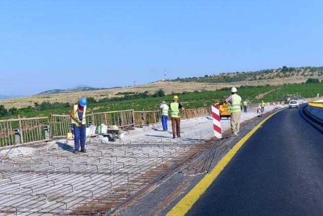Инфраструктурна експанзија: Годинава 6 милиони евра повеќе за локални патишта