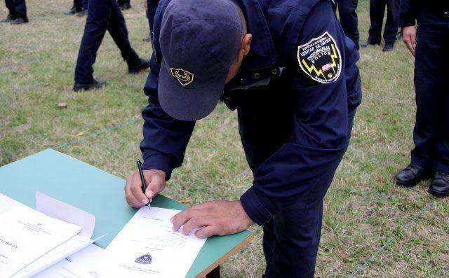 policajci-promocija6-640x397