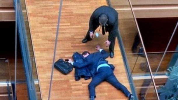Истепаниот британски европратеник ја напушти антиевропската УКИП
