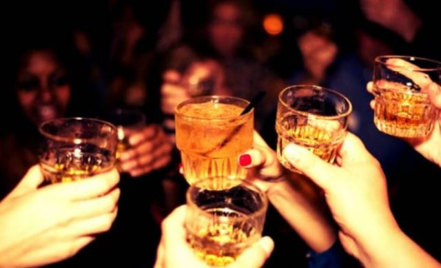 14-drinking-games-to-spruce-up-your-night-out