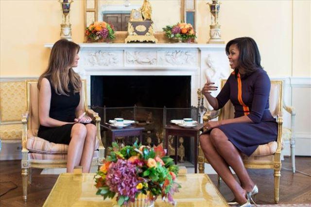 Мишел и Меланија во жолтата овална соба на Белата куќа