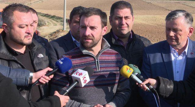 Димовски: Предвидени 480 милиони евра за патна инфраструктура во источна Македонија