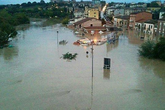 Поплави во северозападниот дел на Италија
