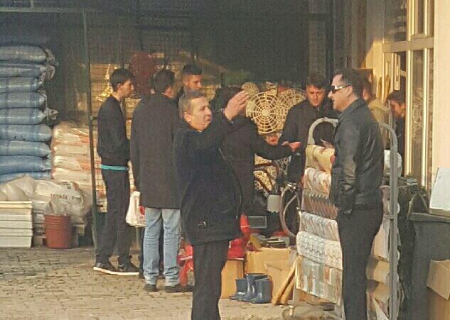 Шилегов избркан од Брвеница: Се криел во дуќан на сопартиец (ФОТО)