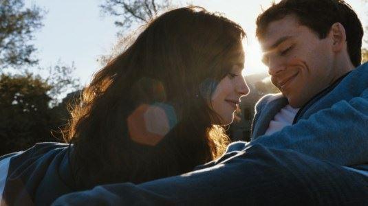 Зошто силните луѓе влегуваат во комплицирани врски?
