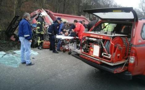 Македонец тешко повреден со судир на два камиона во БиХ