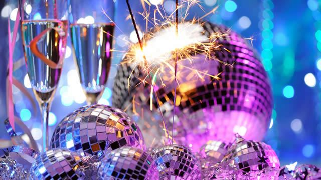 64525-640x360-disco_ball_champagne_640