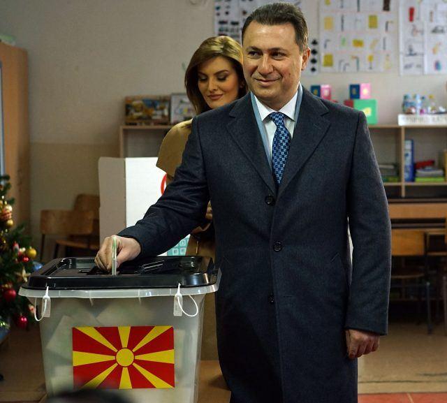 """ФОТО: Груевски гласаше во ОУ """"Кузман Јосифовски Питу"""""""