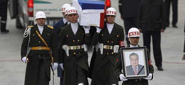 Комеморација за убиениот руски амбасадор, Путин положи венец