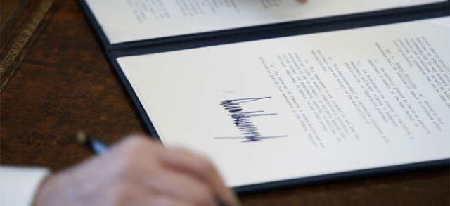 Трамп потпиша Закон за финансирање на НАСА
