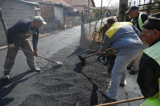 Се асфалтира и последната оштетена улица од поплавите во Инџиково