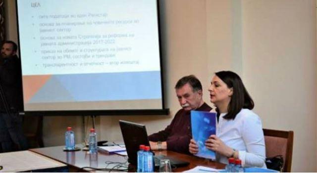 Речиси двојно зголемен бројот на вработени Албанци во јавниот сектор, опаѓа бројот на Македонците