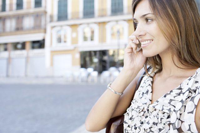 Жените повеќе сакаат добра дремка и мобилен телефон од секс со партнерот