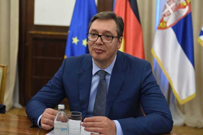 Вучиќ порача дека странците нема да ја водат политиката на Србија