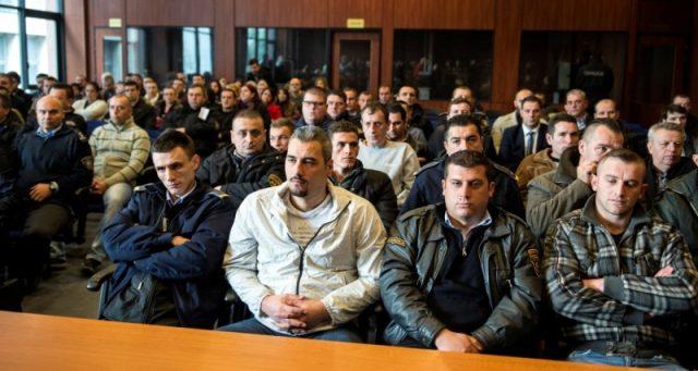 """Во Скопје молк, во Приштина реакции по одлуката на косовската влада за финансиска помош на осудените за """"Диво насеље"""""""