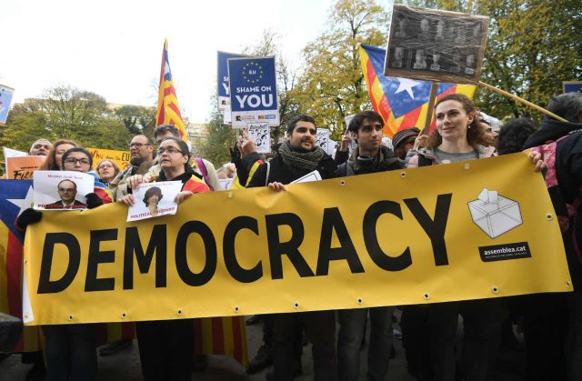 Каталонските автономисти во Брисел ѝ се обратија на ЕУ