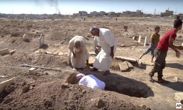 ВИДЕО: Како 9.000 цивили загинаа во битката за Мосул?