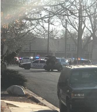 Тројца убиени во пукање во американско училиште