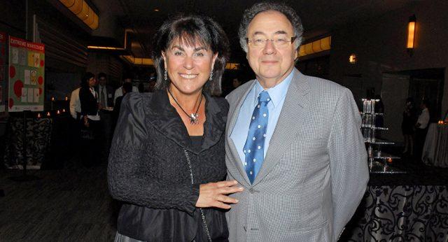 Одделот за убиства го истражува смртниот случај на канадскиот милијардер и неговата сопруга