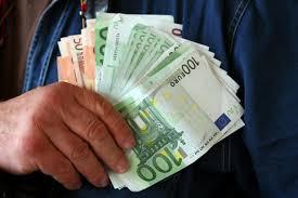 Малолетник украл 10.000 евра од својот татко