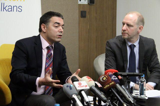 Димитров: Државен консензус за името и референдум