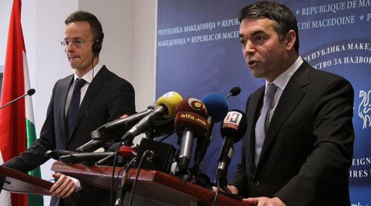 Димитров најави продлжување на преговорите за името по празниците  во Грција оптимизам