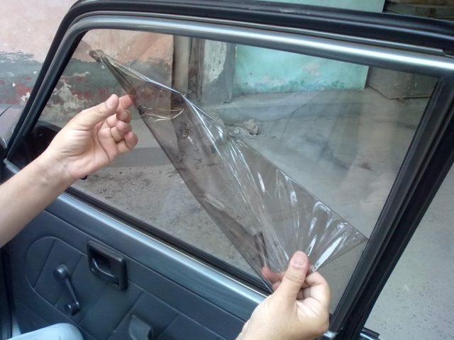 300 евра казна за затемнети стакла на возила