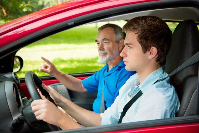 Измени во однос на правото за стекнување на возачка дозвола од Б категорија за дете-возач