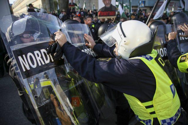 Во Гетеборг уапсени 15 неонацистите за неодобрен митинг