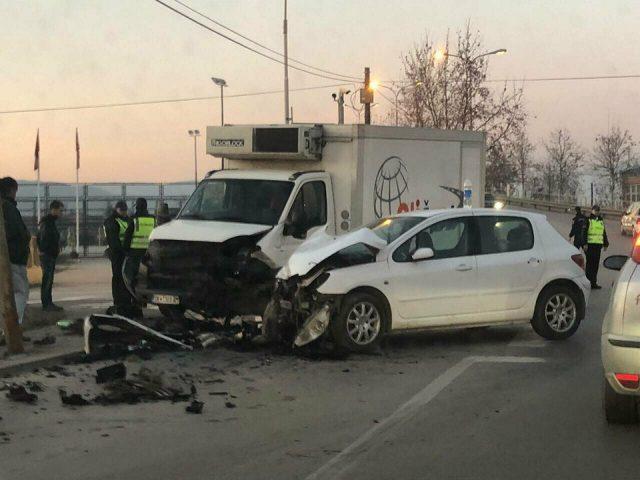 Седум лица повредени во 15 сообраќајки во Скопје