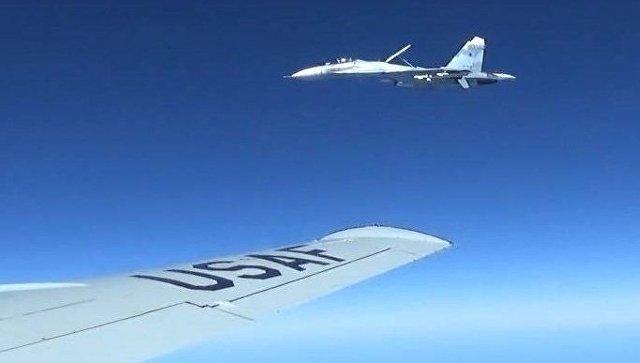 Руски ловец пресретна американски разузнавачки авион над Црното Море