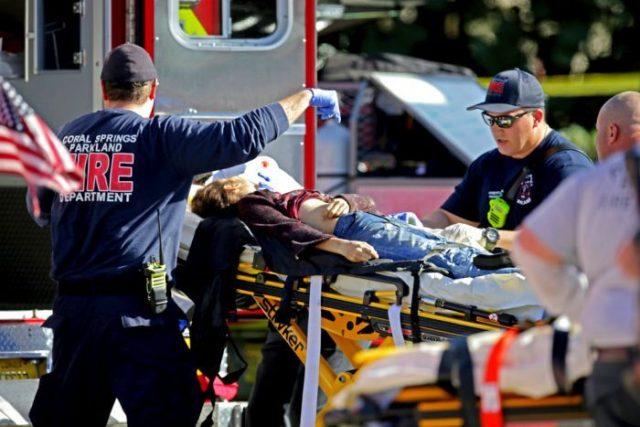 Седумнаесет убиени во пукање во училиште на Флорида
