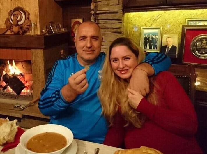 """Уапсена ќерката на Бојко Борисов, зашто со """"бугати"""" од 3 милиони долари  возела со 393 км на час"""