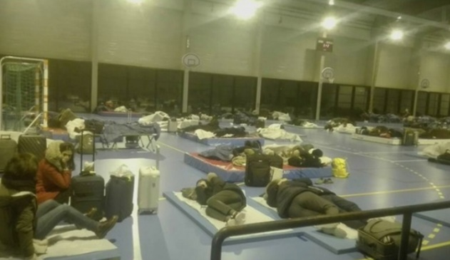 """Авион на """"Визер"""" полетал од Париз без патниците од Македонија"""