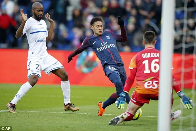 "Нова ""петка"" на ПСЖ, важна победа на Сент Етјен"