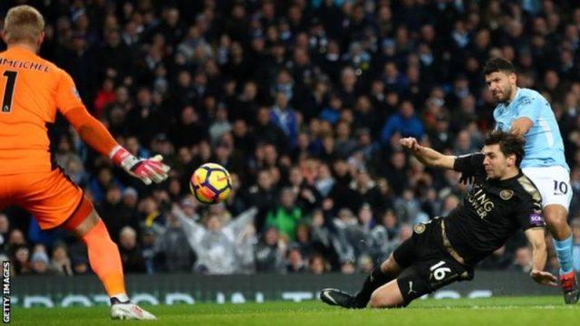 """Четири гола на Агуеро во """"петката"""" на Сити"""