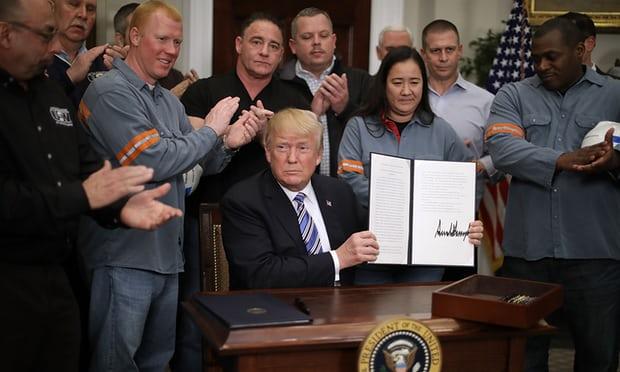 Трамп го потпиша указот за тарифите