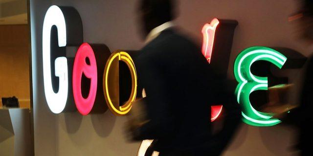 Google вложува 300 милиони долари за справување со лажните вести