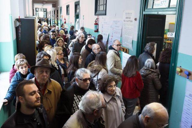 Неизвесност во Италија по јакнењето на антиестаблишмент партиите и крајната десница