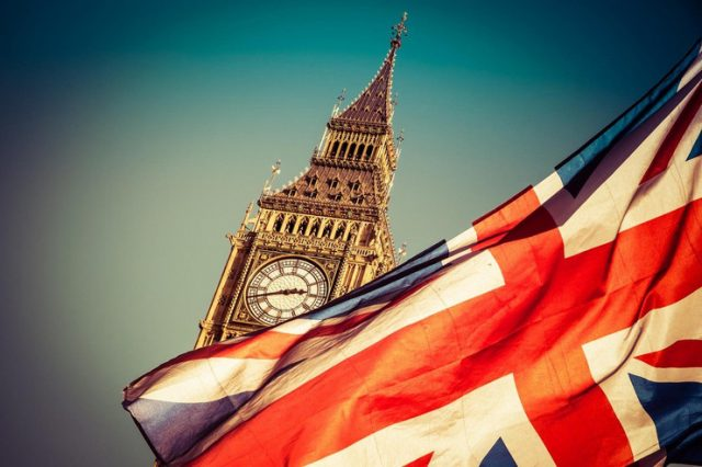 Британските парламентарци апелираат да се одложи Брегзит