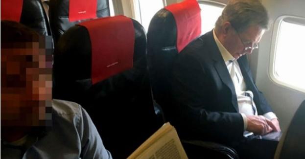 Финскиот претседател леташе со економска класа за 61 евро