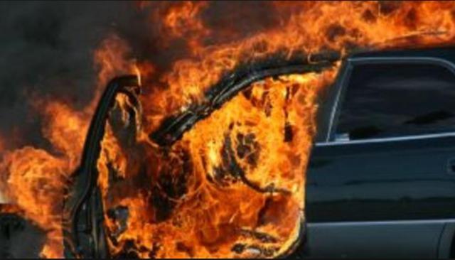 Тригодишно дете спасено од запален автомобил