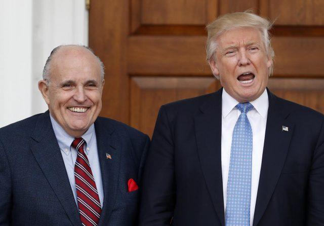 Џулијани: Трамп нема да биде обвинет додека е претседател
