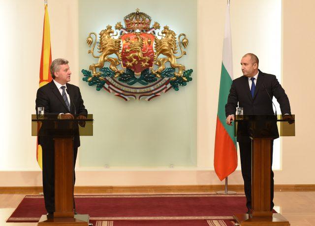 Бугарскиот претседател Радев побара дополнителни гаранции за нив при евентуален договор меѓу Македонија и Грција