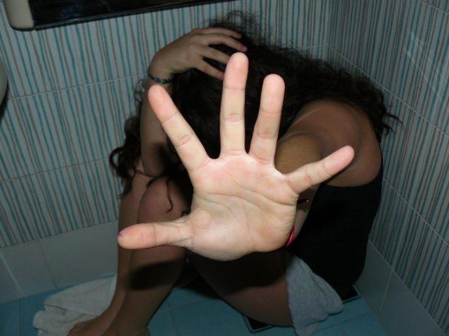 Кривична за битолчанец кој сакал да силува девојче
