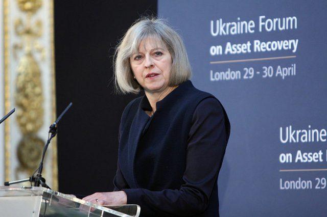Меј бара построги санкции за Русија