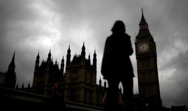 На Британија и се заканува Армагедон ако не постигне трговски договор со Брисел